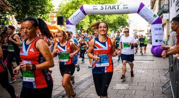 Runners on Gentleman's Walk