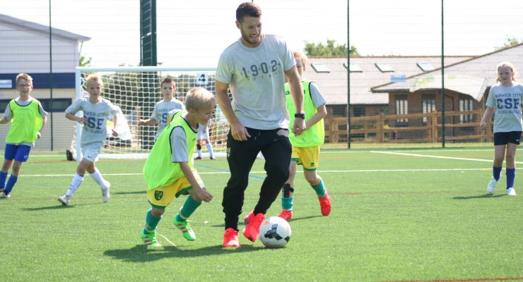 Wes Hoolahan joins in with a Soccer School