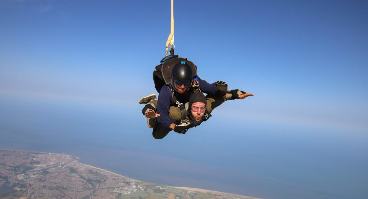 Yellow & Green Skydive