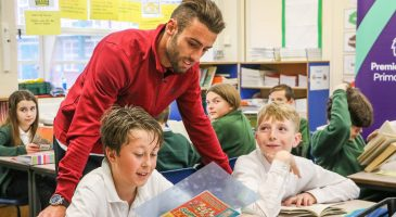Ivo Pinto visits local school