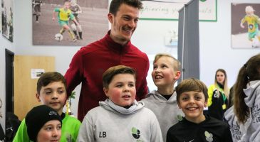 Zimmermann stops by Schools Cup final
