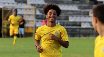CSF student signs for Portuguese club