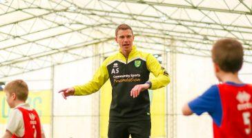 Asa Saunders coach